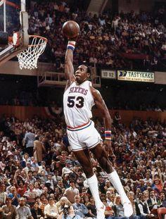 "Darryl ""Chocolate Thunder"" Dawkins R. Basketball Rim, Houston Basketball, Basketball Memes, Basketball Pictures, Basketball Legends, Basketball Players, College Basketball, Nba Stars, Sports Stars"