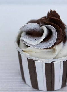 Chocolate white chocolate cupcake