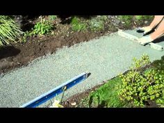 Flagstones are a popular choice for walkways and patios because of their natural beauty and durability. Stefan Grunkemeier from Simply Rocks shows us how to install one.