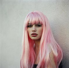 Dye my hair a bold color without telling anyone. Dye My Hair, Ombré Hair, Hair Bangs, Pastell Pink Hair, Pastel Pink, Bright Pink, Hairstyles Haircuts, Pretty Hairstyles, Style Hairstyle