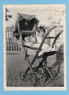 Wooden Baby Pram c. Baby Photos, Old Photos, Vintage Photos, Old Pictures, Cute Little Baby, Baby Kind, Baby Love, Pram Stroller, Baby Strollers