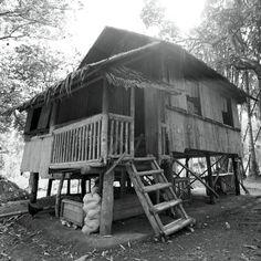 Lean Interpretations from Philippine Vernacular Architecture Vernacular Architecture, Architecture Design, Bahay Kubo Design Philippines, Filipino House, Philippine Architecture, Raised House, Philippines Culture, Filipino Culture, Bamboo House