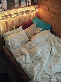 twinkle lights. cozy bed.