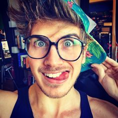I love Joey Graceffa and I'm so proud the he came out!! Just out of curiosity else thought he was gay before he came out??
