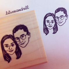 Custom Portrait Stamp @lilimandrill www.lilimandrill.fr #etsy #coupleportrait #EtsyGifts #bachelorette #etsywedding #wedding #mariage #bride #diy #couple #stamp #giftforcouple #handmade #gift #weddinggift #invitations #invites #party #engagement #bride