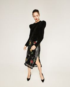 Time for Fashion » Christmas Outfits: Company Dinner. Black sweater+black floral sequins skirt with tassels+black backless pumps. Christmas Company Dinner Outfit 2016