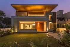 House 2413 by Charged Voids #pin_it #architeture #arquitetura @mundodascasas www.mundodascasas.com.br