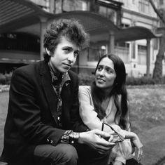 Bob Dylan e Joan Baez nel 1965 (Getty)