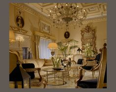 Hotel Splendide Royal -Restored from a palace dating from 1890, the Splendide Royal is just off the Via Veneto, overlooking the Borghese Garden, and approximately 19 miles from Fiumicino Airport. Personalized guided tours of the city can be arranged through the concierge and the shopping area of the Spanish Steps is within walking distance. There is a fitness room on site with available personal trainer.