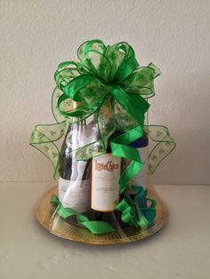 Oh Bows Gift Baskets - Orlando's Custom and Unique Gift Baskets Homemade Gift Baskets, Housewarming Gift Baskets, Wine Gift Baskets, Themed Gift Baskets, Raffle Baskets, Thoughtful Christmas Presents, Christmas Gifts, Arte Bar, Basket Drawing