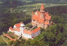Czech castles, chateaux and monuments of medieval architecture. Castles from Czech kingdom (Kingdom of Bohemia) and its historical lands: Czech, Moravia and. Castle Ruins, Castle House, Medieval Castle, Palaces, Kingdom Of Bohemia, Amazing Places On Earth, Famous Castles, Beautiful Castles, Beautiful Places