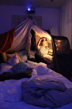 Throws, pillows and fairy lights... I want.