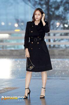 Krystal Jung Fashion, Jessica Jung Fashion, Krystal Fx, Jessica & Krystal, Summer Girls, Girl Fashion, Womens Fashion, Asian Woman, Feminine Fashion