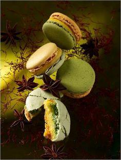 http://www.proame.net/wp-content/uploads/2012/01/219062_macaron-pierre-herme.jpg