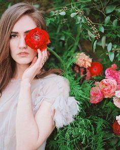 """I must have flowers, always, and always"" - Claude Monet, Jodi Miller Photography @jcfunkhouser @hollychapple @shopgossamer #happyvalentinesday #flowers"