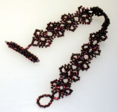 My Sandra Halpenny bracelet in wine | you can find the Free pattern here: http://sandrahalpennybeading.blogspot.ca/