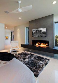 Dream home in the Arizona desert merges indoor/outdoor living - Thuisdecoratie Home Fireplace, Modern Fireplace, Living Room With Fireplace, Linear Fireplace, Modern Electric Fireplace, Stucco Fireplace, Fireplace Surrounds, Fireplace Ideas, Contemporary Fireplace Designs