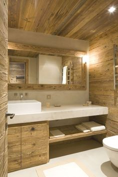 These rooms with rustic bathroom decor will inspire you to do country chic right. Cabin Bathrooms, Rustic Bathrooms, White Bathrooms, Attic Bathroom, Chalet Design, House Design, Chalet Interior, Cabin Interiors, Wooden House