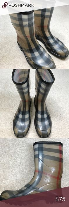 Burberry rain boots Authentic Burberry rain boots. They are about 8 years old but I've only worn them a handful of times. Good used condition. Done scoff marks shown in photos. Make an offer! 😊 Burberry Shoes Winter & Rain Boots