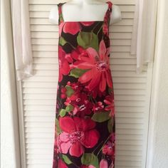 """Beautiful BCBG Floral Dress Perfect for Valentine's Day or any date night - twisted shoulder detail - measures 42"""" long from shoulder - knee length - very flattering cut - size L BCBG Dresses Midi"""