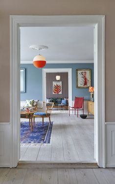 kleine wohnzimmer einrichten und wohnen raum frohe wandfarbe inneneinrichtung wohnzimmerinnenraum