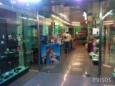 Local Comercial de 185 m2 con Gran Escaparate y mostrador  Local de 2 plantas muy luminoso de 185 m2 con gran escapar ..  http://barcelona-city.evisos.es/local-comercial-de-185-m2-con-gran-escaparate-y-mostrador-id-668603