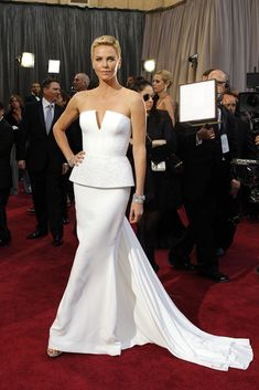 Charlize Theron in Christian Dior Haute Couture at the Oscars 2013