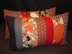 "Very long japanese patchwork cushion ""Japanese garden red and black"" in 7 parts of cotton. 55 x 33 cm: Textiles and rugs by lacompagniedupatchworkInformations About Très long coussin Patchwork japonais ""Jardin japonais rouge et noir"" en 7 p Japanese Patchwork, Crazy Patchwork, Japanese Textiles, Patchwork Cushion, Quilted Pillow, Cushion Covers, Pillow Covers, Sewing Projects, Cushions"