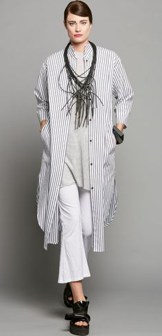 LONG CURVE SHIRT - BLACK STRIPE