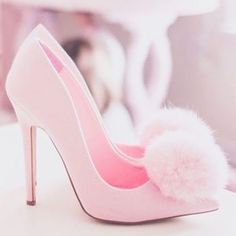 To be a girly girl you must wear pink heels Pretty Shoes, Beautiful Shoes, Cute Shoes, Me Too Shoes, Pink Love, Pretty In Pink, Pink Pink Pink, Perfect Pink, Pink Girl