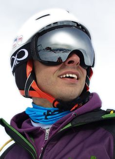 "Model ""SASLONG"" Silver Perfect modelling to the face Absolute comfort #fashion #macrideon #saslong #style #snowboard #skiing #ski #snow #winter #goggles #snowgoggles #skigoggles #lafoliedouce"