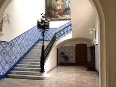 Catering en el Palacio de la Exposición de Valencia, a cargo de Campo Anibal Valencia, Stairs, Interior, Home Decor, Stained Glass Windows, Mosaics, Traditional Homes, Salvaged Furniture, Staircases