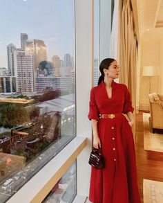 everyday outfits for moms,everyday outfits simple,everyday outfits casual,everyday outfits for women Fashion Line, Boho Fashion, Fashion Design, Fashion Styles, Classy Outfits, Chic Outfits, Red Fashion Outfits, Heart Evangelista Style, Vogue