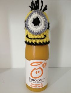 does NOT count as a stitch. For main hat: Using size crochet hook and DK yellow yarn. Make magic adjustable ring,. Crochet Purses, Crochet Hooks, Free Crochet, Knit Crochet, Crochet Things, Crotchet, Minion Eggs, Minions, Minion Crochet Patterns
