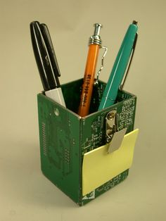 Old circuit boards become office products and household decorations - TechRepublic- 2