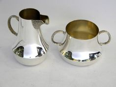 SOLID SILVER MILK / CREAM JUG & SUGAR BOWL SET LONDON 1983 www.antique-silver.co.uk John Bull Antiques New Bond Street, London, UK Silver Dealer Shop