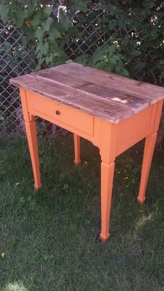 Vintage sewing machine base made side table!