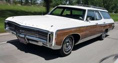 Car Chevrolet, Classic Chevrolet, Chevrolet Caprice, Station Wagon Cars, Old American Cars, Chevy Impala Ss, Automobile, Woody Wagon, Old Wagons