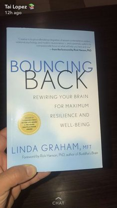 Bouncing Back: Empowering your Brain for Maximum Resilience and Well Being Sourc… - Gesundheit Book Club Books, Book Nerd, Book Lists, Good Books, Books To Read, My Books, Reading Books, Reading Library, Life Changing Books