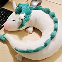 Haku Neck Pillow for Spirited away fans! This pillow is not only a cute Haku plush, it is also best friend during travelling. Beside the cuteness of Haku, Softies, Plushies, Spirited Away Haku, Sewing Crafts, Sewing Projects, Cute Stuffed Animals, Dragon Stuffed Animal, Neck Pillow, Cute Dolls