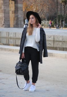 White Platform Supergas. Casual chic winter outfit. Geometric print blazer. Trendencies