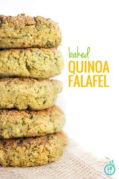 BAKED QUINOA FALAFEL --> these babies are gluten-free & vegan, they're EASY + super duper HEALTHY! Vegan Gluten Free, Vegan Vegetarian, Vegetarian Recipes, Cooking Recipes, Healthy Recipes, Healthy Foods, Dairy Free, Falafels, Quinoa