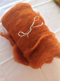 Check out ALPINE STONESHEEP/Merino FLEECE ~ Light orange ~ ideal for wet and needle felting on appleoakfibreworks Light Orange, Needle Felting, Color Inspiration, Fiber Art, Sheep, Craft Supplies, Arts And Crafts, Throw Pillows, Stone