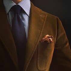 Isaia corduroy jacket Borrelli shirt Panta knit tie Vintage Metropolitan Museum of Art pocket square Mens Corduroy Jacket, Corduroy Blazer, Blazer Outfits Men, Brown Suits, Knit Tie, Mens Fall, Sharp Dressed Man, Sports Jacket, Gentleman Style
