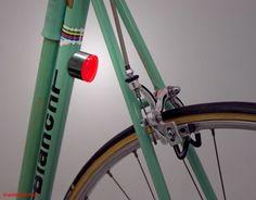 Au Danemark, la question de l'écologie est traitée avec beaucoup d'intérêt d'où une utilisation du vélo très importante. Le studio de design Copenhagen Parts, spécialisé dans la conception de produits pour le vélo a réalisé ces petites lumières aimantées pour éclairer votre route.