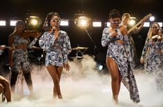"""2019 Super Bowl: Chloe x Halle Set to Perform 'America the Beautiful' - Billboard- R&B sister duo Chloe x Halle will perform """"America the Beautiful"""" at the Super Bowl, according to an announcement from the NFL.The pair, who san. Chloe Halle, Super Bowl L, Super Bowl Weekend, The Late Late Show, Hip Hop And R&b, Championship Game, Lady Gaga, Atlanta, Cover Up"""