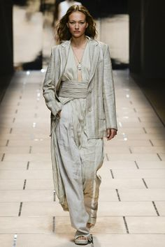Catwalk photos and all the looks from Trussardi Spring/Summer 2016 Ready-To-Wear Milan Fashion Week