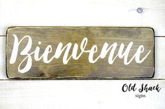 Bienvenue - wood sign, hand painted, welcome french sign,welcome decor, greeting… Painted Signs, Wooden Signs, Hand Painted, Stencil Painting, Painting On Wood, French Signs, Welcome Decor, Diy Signs, Sign I