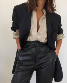 Art_second_maria January 22 2020 at fashion-inspo Look Fashion, Winter Fashion, Fashion Outfits, Fashion Clothes, Fashion Women, Fashion Ideas, Girl Fashion, Fashion Tips, Ootd Instagram