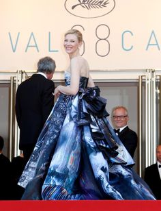 Cannes 2015 -Cate Blanchett Cannes 2015 (Carol Premiere) Love this print look